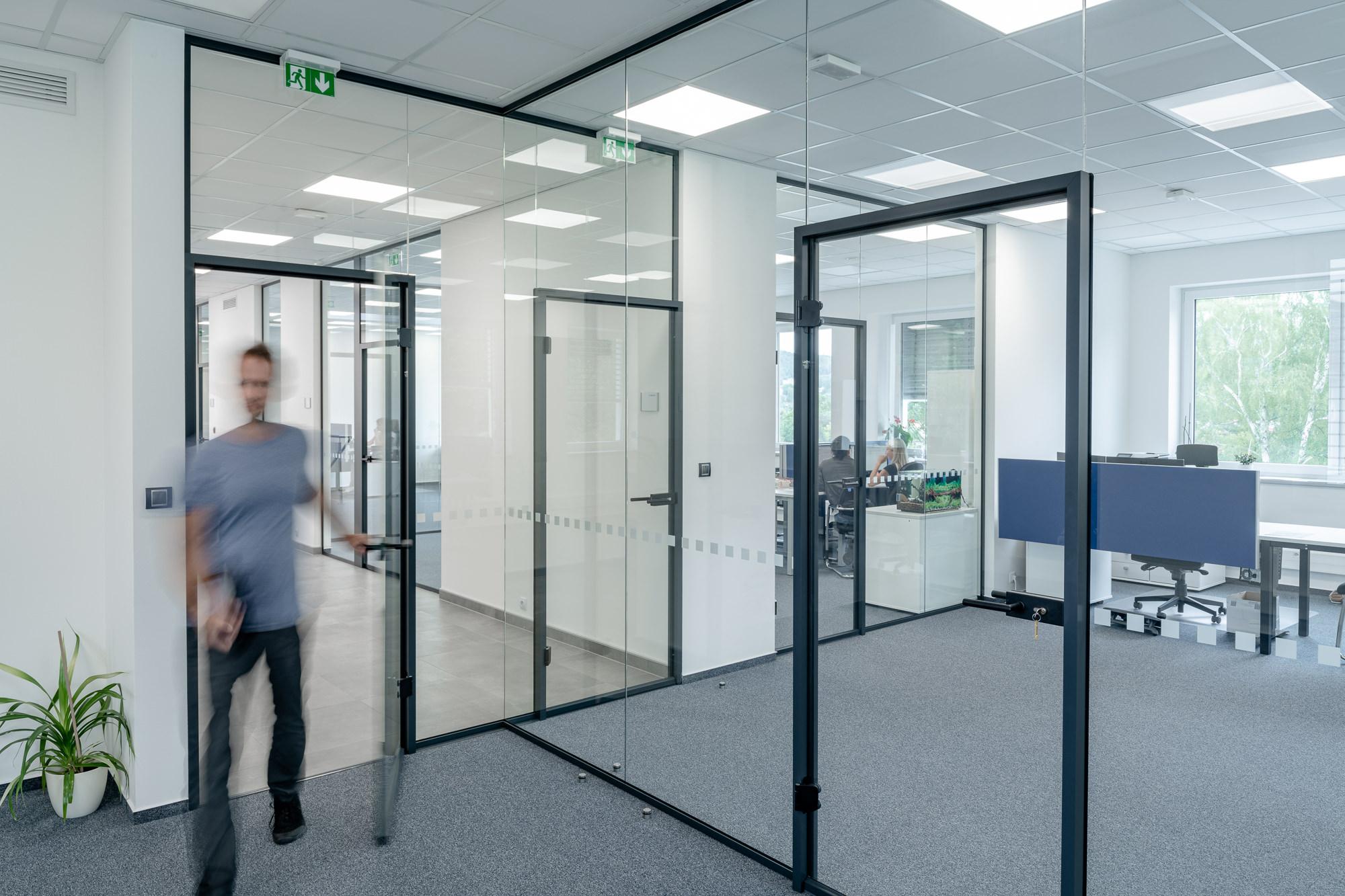 Elegante und zweckmäßige Büroräume