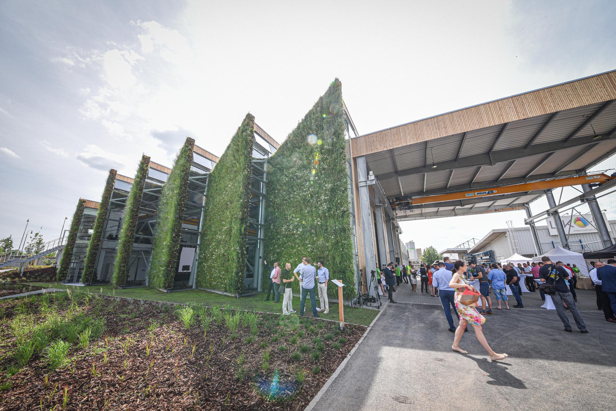 LIKO-S präsentierte die erste lebende Halle der Welt: LIKO-Vo