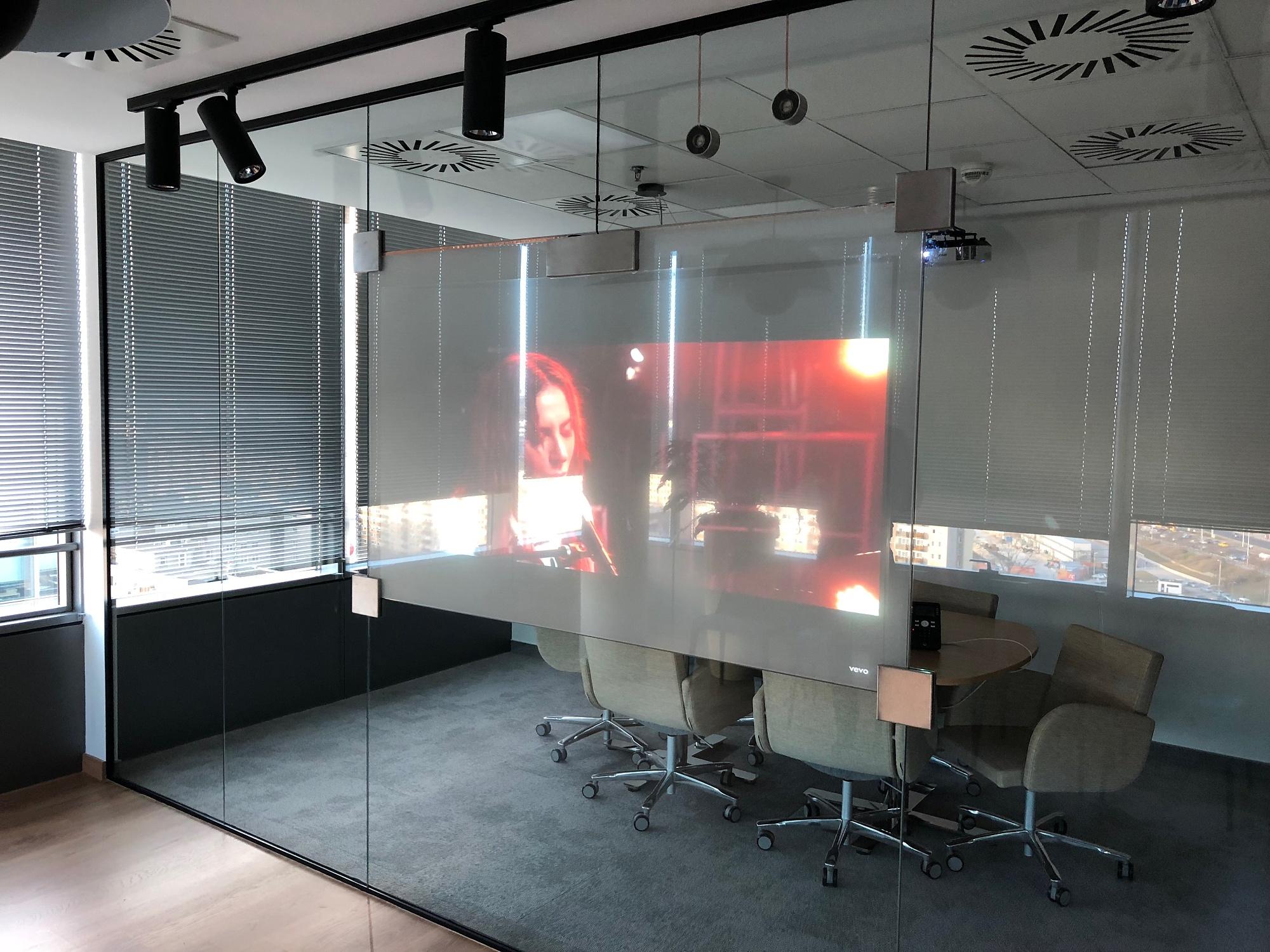 Moderne Büroräume an der Donau